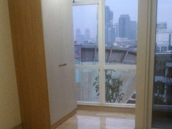 Disewakan Apartemen Menteng Park Studio Semi Furnish Mp363
