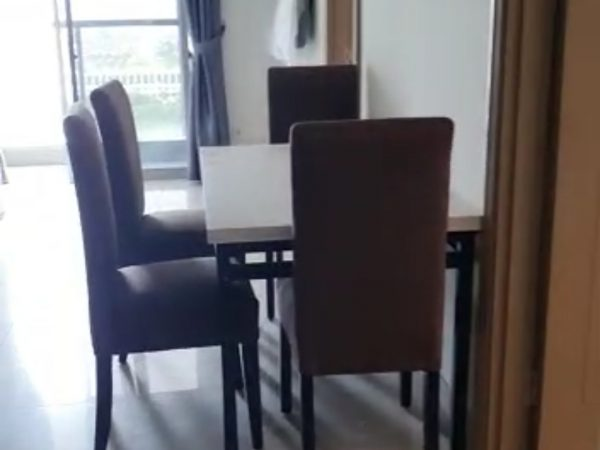 Apartemen Gold Coast 3 Bedroom Agljln09